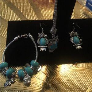 Jewelry - A handmade beautiful owl set
